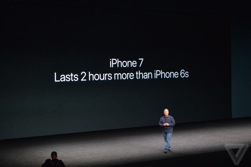 Nhìn lại màn ra mắt iphone 7 09082016 - 13