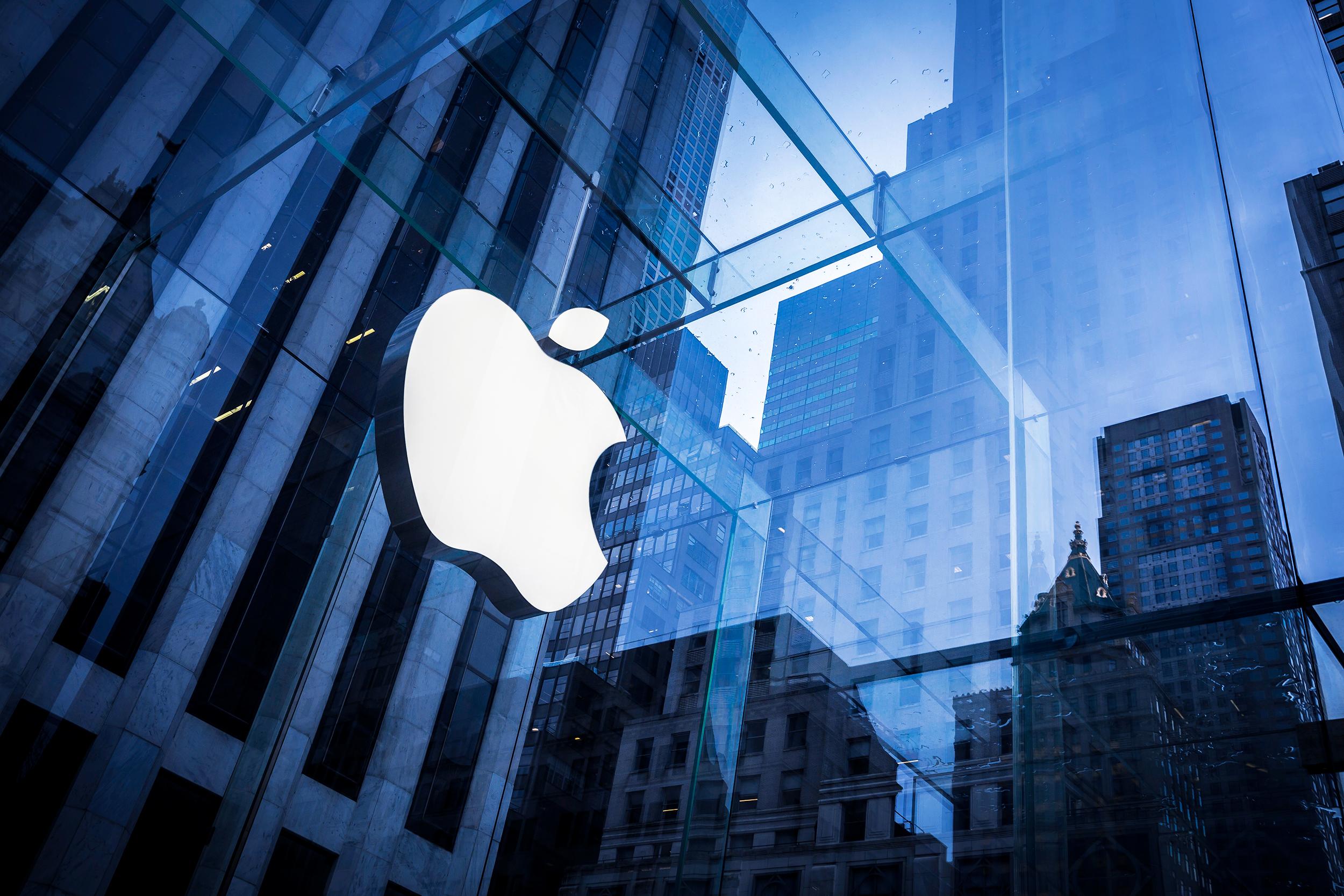 Apple có thể sản xuất iPhone tại Mỹ, mức giá sẽ tăng gấp đôi